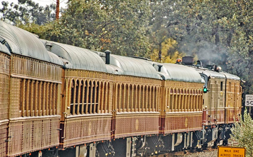 Wine Train Experience Package at Senza Hotel, Napa